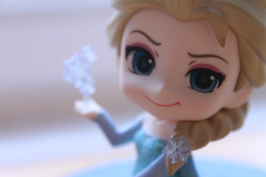 Elsa comes with a little snowflake accessory to recreate the advertisements for the film.