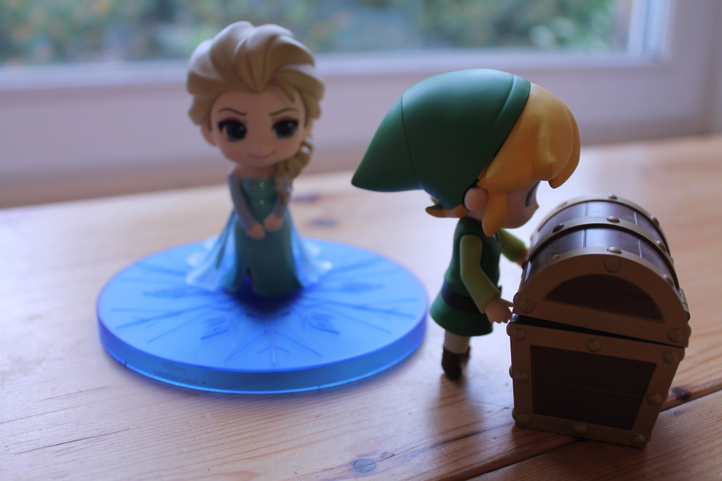 Link has a present for the Queen.