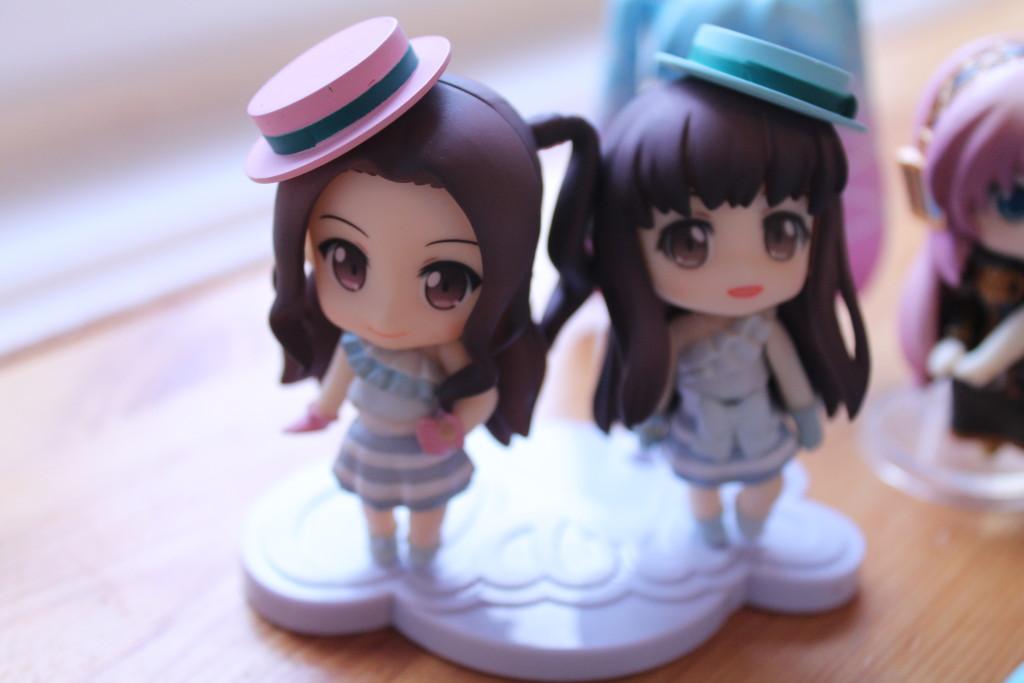 My petite Nendoroids of the pop duo from Japan, Claris. If you buy one of their albums the figures can use it as a stand! <3